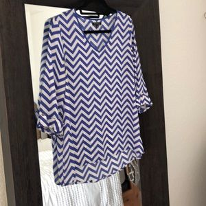 Kiara V-Neck Chevron blue and white blouse m